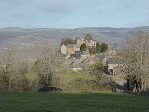 Le chateau de Roquelaure sous le soleil.