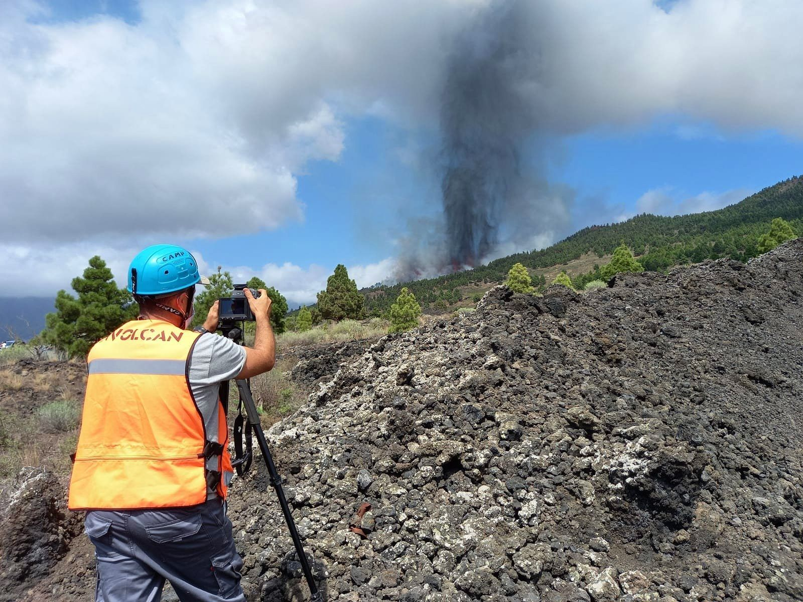 La Palma -19.09.2021 / 3:10 p.m. - thermal measurements by InVolcan during the start of the eruption - INVOLCAN