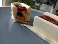 Entremet chocolat blanc, fraise et meringue (companion ou pas)