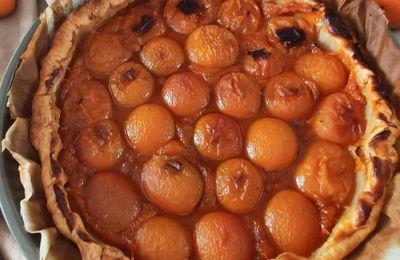 Tarte aux abricots et sa comptée d'abricots à la vanille au sucre roux  de Guadeloupe sans gluten.