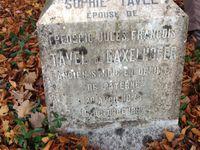 maison bourgeoise et cimetière de la famille TAVEL au lieu dit La Bretonnière