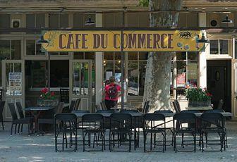 Scène de rue - Le café du commerce