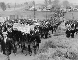 El principio del fin del  antiapartheid en Sudáfrica, cuando los estudiantes negros en Soweto dijero basta el 16 de junio de 1976, y 600 personas, incluídos Hector Pieterson, de apenas 12 años y Hastings Ndlovu de 15 fueron masacradas; por eso el 16 de junio es el día de la juventud africana. El Muni.