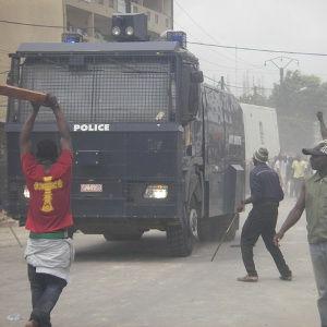 Guinée - Les coupures d'électricité provoquent des émeutes des fans de foot