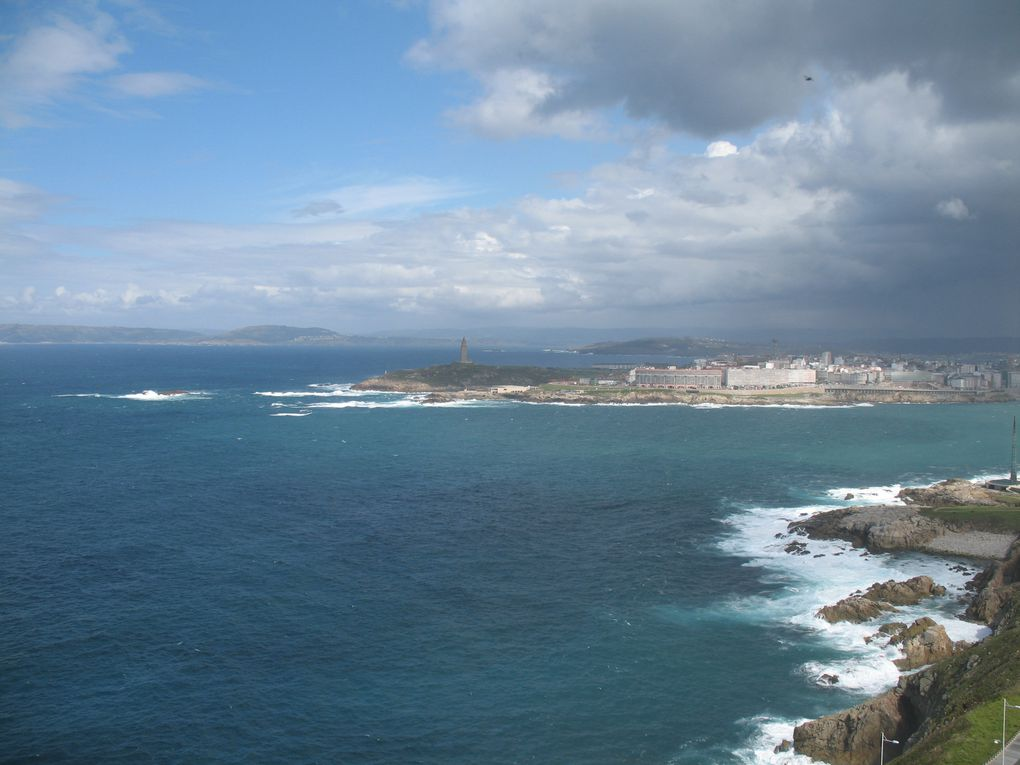 La Corogne (en galicien et officiellement A Coruña) est une ville de la communauté autonome de Galice (nord-ouest de l'Espagne) et la capitale de la province de La Corogne.