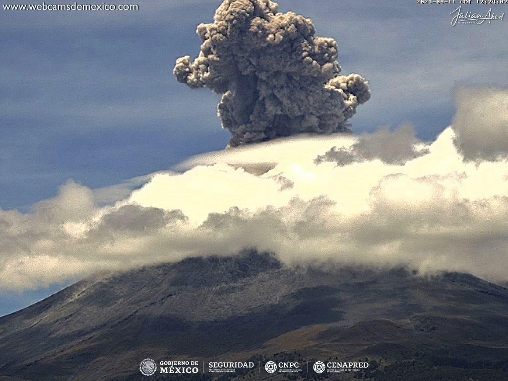 Popocatépetl - panache éruptif du 11.09.2021 / 12h24  - webcamsdeMexico