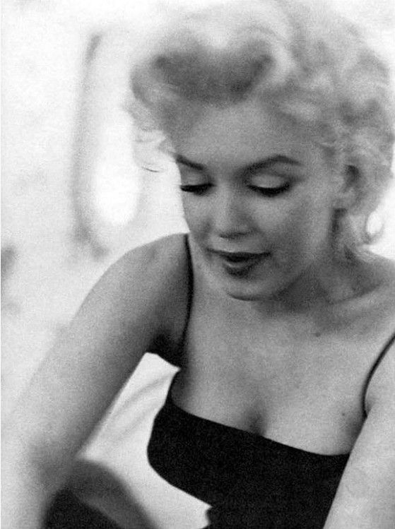 Marilyn Monroe by Ed Feingersh - 1955