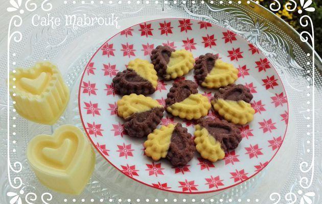 Biscuits petits coeurs chocolat vanille