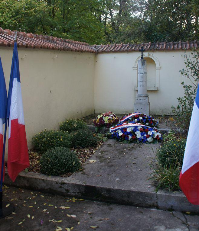 À Rueil-Malmaison, hommage aux morts du 21 octobre 1870.