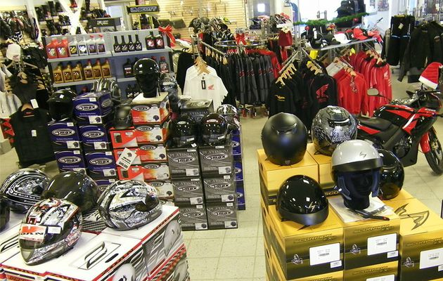 Ways to Choose the Right Motorcycle Accessories in Houston to Ride Safely