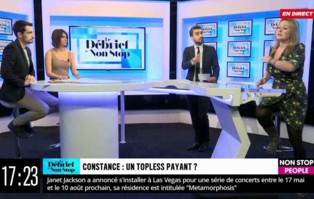 """Furieuse d'être critiquée pour avoir montré ses seins sur France Inter, l'humoriste Constance quitte le plateau : """"Je vous emmerde ! """""""