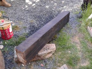 Un gros et un plus petit pour avoir la bonne largeur totale du mur.....remontage des pierres maçonné à la chaux hydraulique....