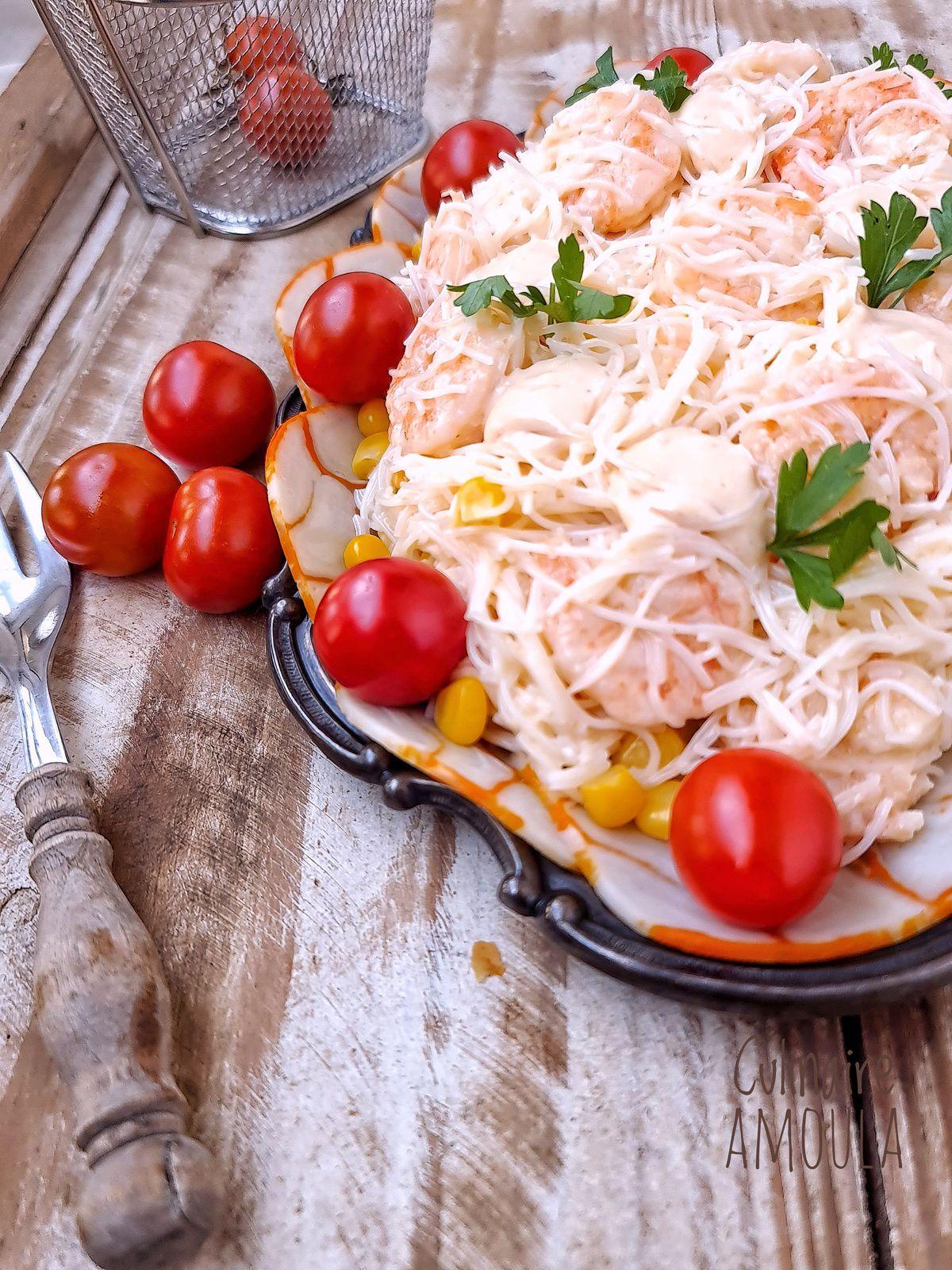 Salade de vermicelle de riz aux crevettes et surimi