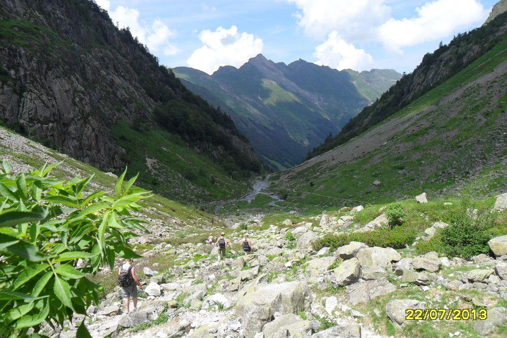 C'est un grand lac naturel. Il a une surface de 8,6 hectares et une faible profondeur de 4m.