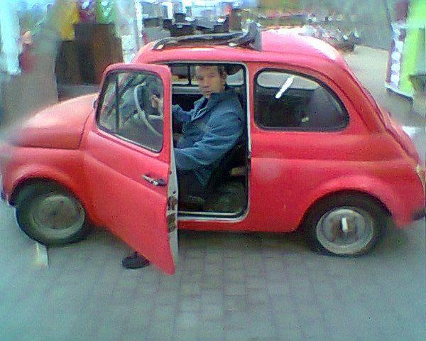 Pas facile de se glisser dans cette auto.
