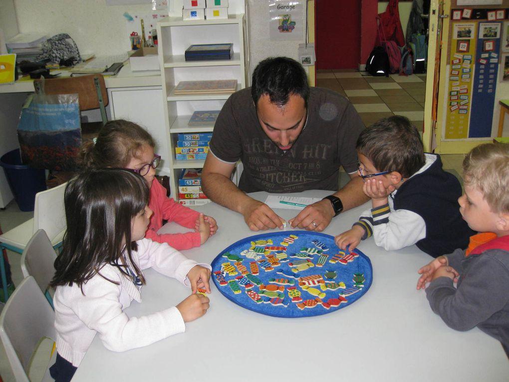 Les jeux dans la classe de Régine et le goûter
