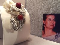 Les miniatures - photo n°3 reproduction broche de la princesse .