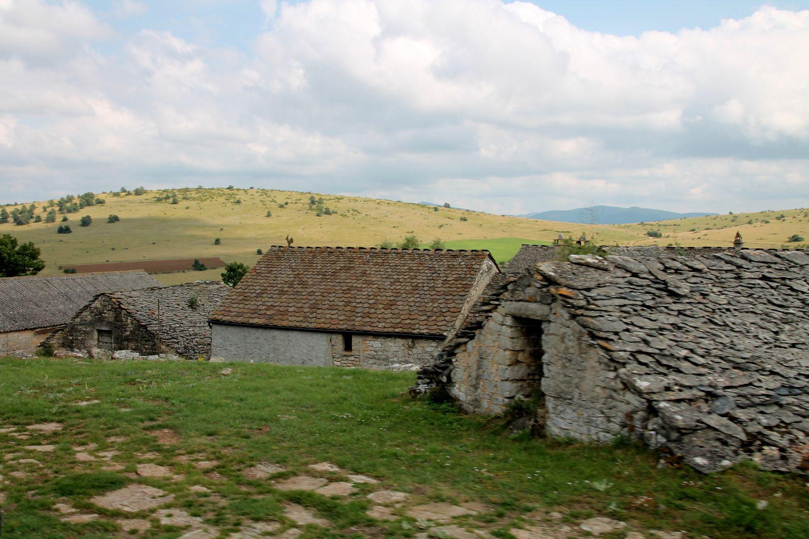 La fouace aveyronnaise - balade au moulin de la Borie sur le Causse Méjean