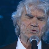 """"""" Mon vieux """" de Daniel Guichard a été composée par Jean Ferrat."""