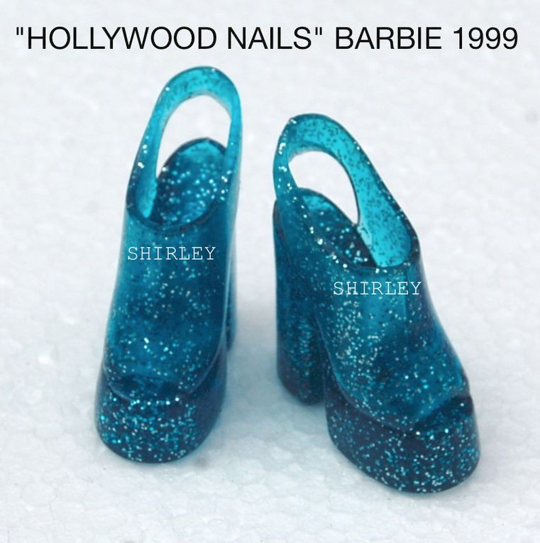 """HOLLYWOOD NAILS"" BARBIE DOLL CLOTHES 1999 MATTEL #17857"
