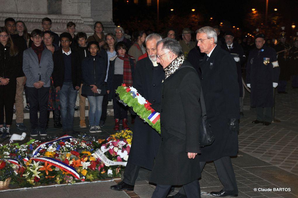 Ravivage de la Flamme sous l'Arc de Triomphe, 19 novembre 2017.