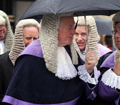 Le mercredi c'est Ciné papy qui n'est pas un spécialiste du fonctionnement de la justice britannique