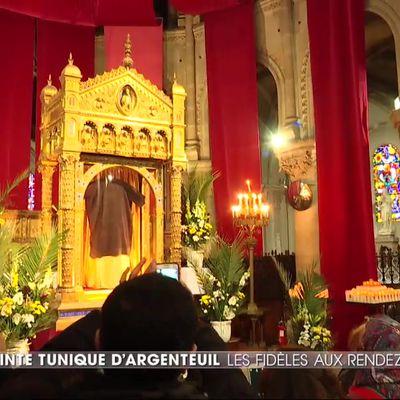 La basilique d'Argenteuil dévoile sa relique du Christ sous haute protection.