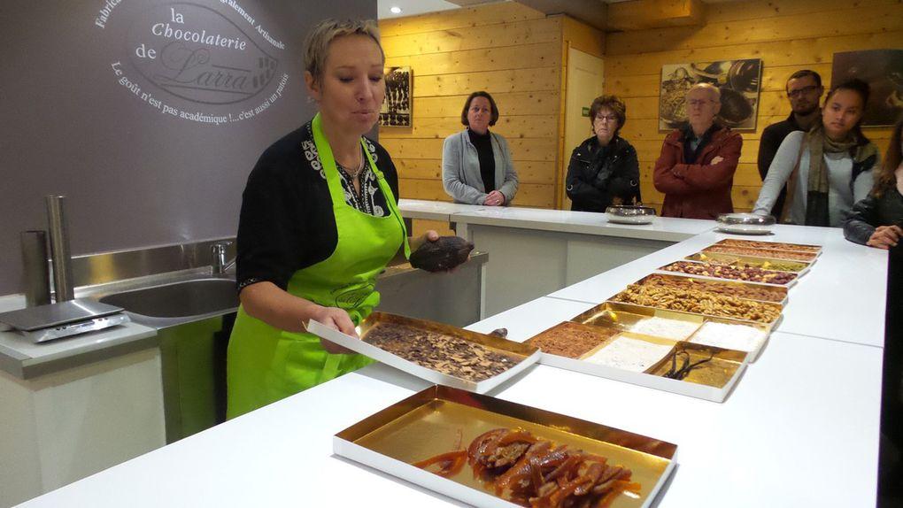 UN JOUR LARRA - UNE HISTOIRE DE CHOCOLAT