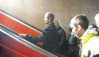 L'escalator interminable qui ne mène nulle part (contre-sens) - 2 videos