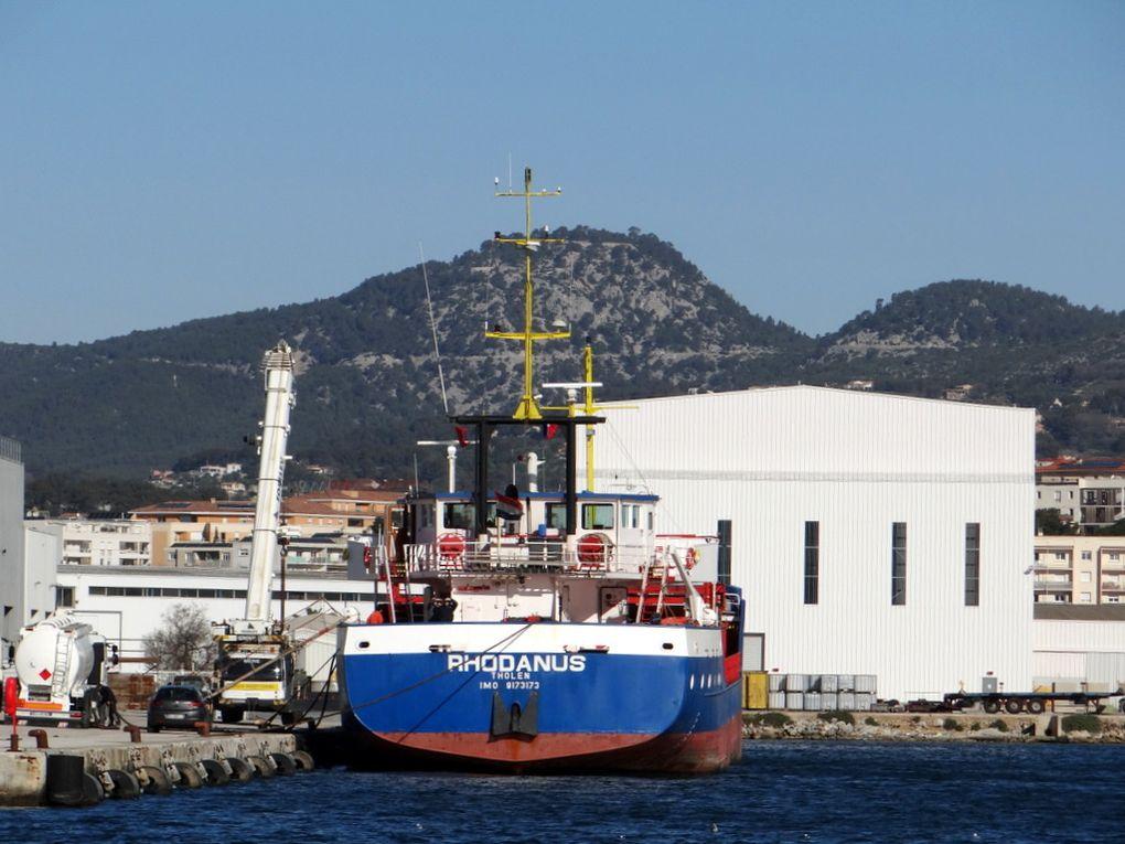 RHODANUS  , a quai à la Seyne sur Mer le 27 mars 2015