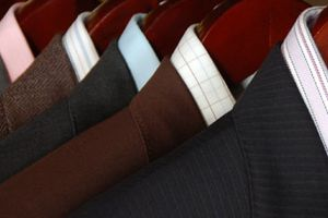 Men Suits Online - Get the Basic Details before Buying One