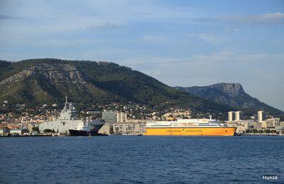 Découvrir Toulon, la rade et son port militaire