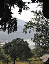 Méditation au bord du Gange