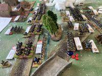 Les français avec Davoult résiste, il faut dire qu'il a fait le nécessaire pour positionner toutes ses troupes au combat en effectuant une marche forcée ( voir le scénario)