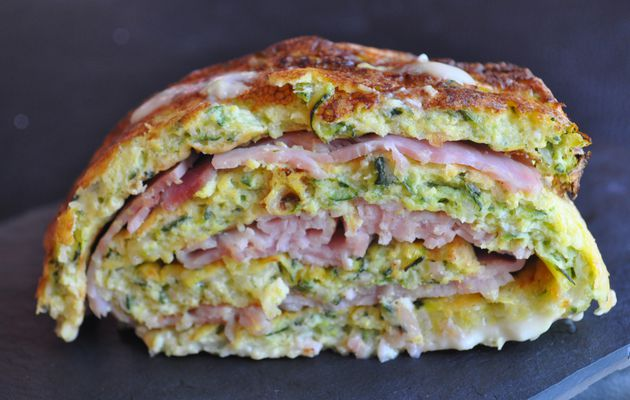 Omelette roulée courgettes, jambon cancoillotte