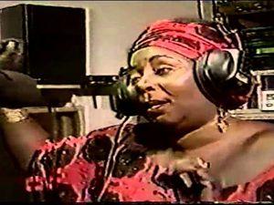aby ngana diop, une grande cantatrice du sénégal connue pour avoir longtemps chanté les louanges des anciens présidents