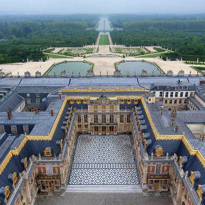 Réaménager la mémoire. Les usages de Versailles de l'empire à nos jours