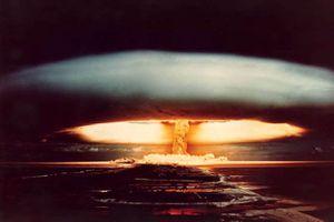 Article à lire guerre froide ou 3ème guerre mondiale