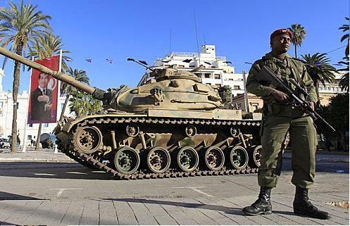 L'armée tunisienne manque de bras.