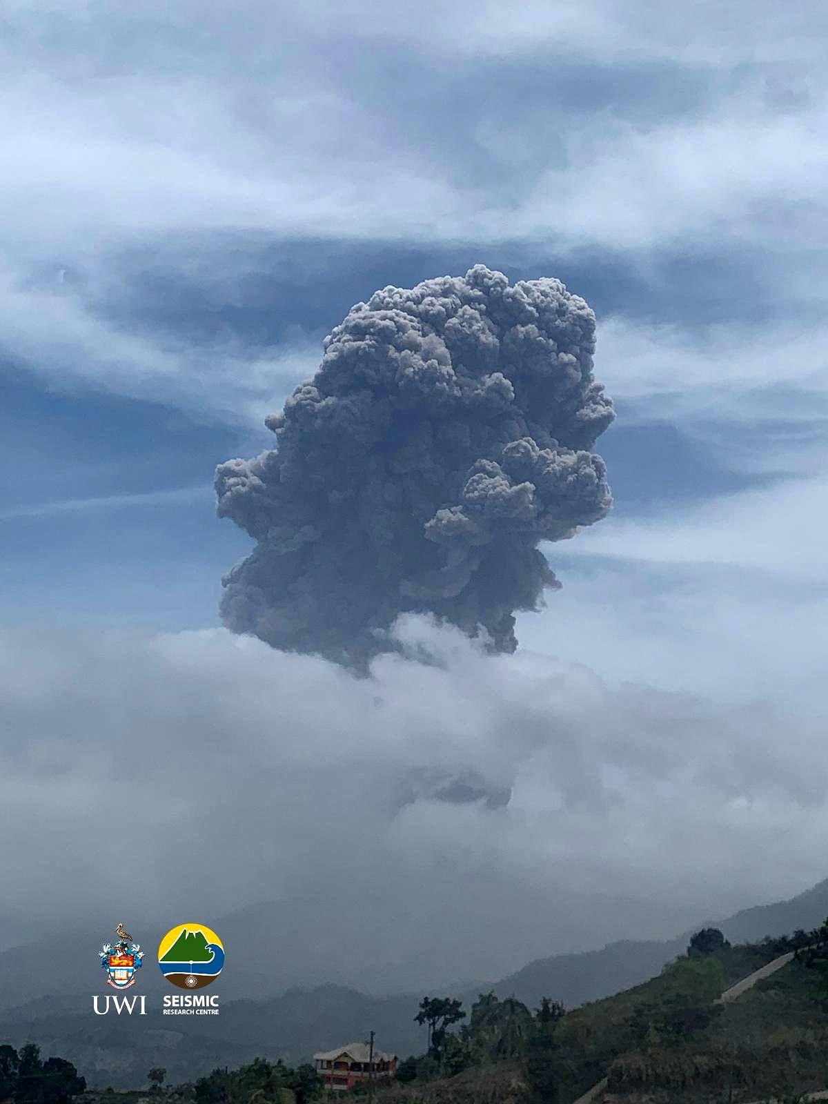 Soufrière - panache éruptif du 14.04.2021 / 11h32 - photo UWI