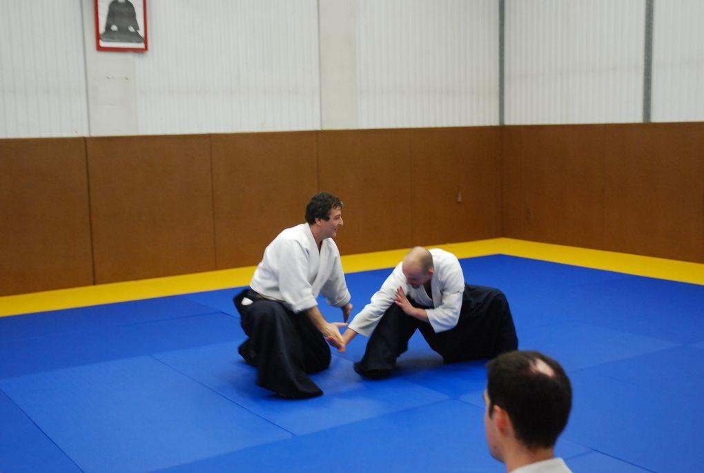 Retrouver toutes les photos du stage de Pascal Norbelly sur http://picasaweb.google.fr/aikidofontenaysousbois