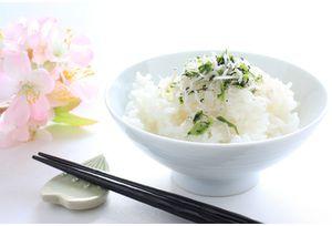 Manger du riz le soir permettrait de mieux dormir