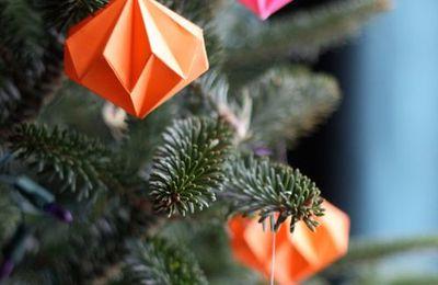 DIY Décoration de Noël en papier à faire avec son enfant