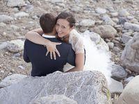 Un petit détour par la plage chère à leur cœur pour un petite séance avec les mariés