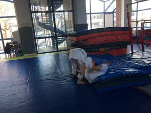 Sports de combat : On apprend à faire chuter vers l'avant !