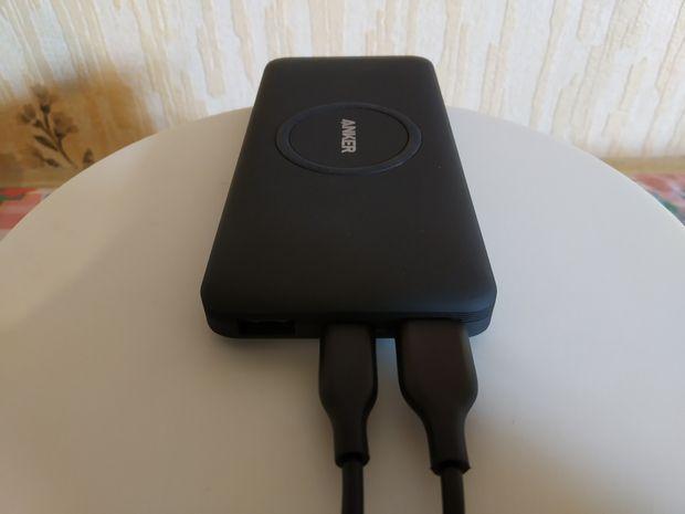 photos issues de notre test de la batterie externe hybride Anker PowerCore 10K Wireless @ Tests et Bons Plans