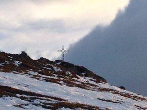 La neige reprend tranquillement... sa place sur les hauts de la Valerette