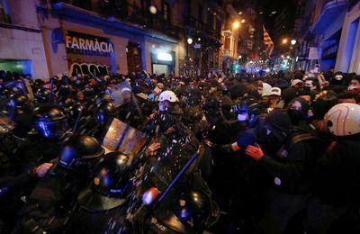 Espagne : arrestation de Pablo Hasel, cinquième soirée d'affrontements