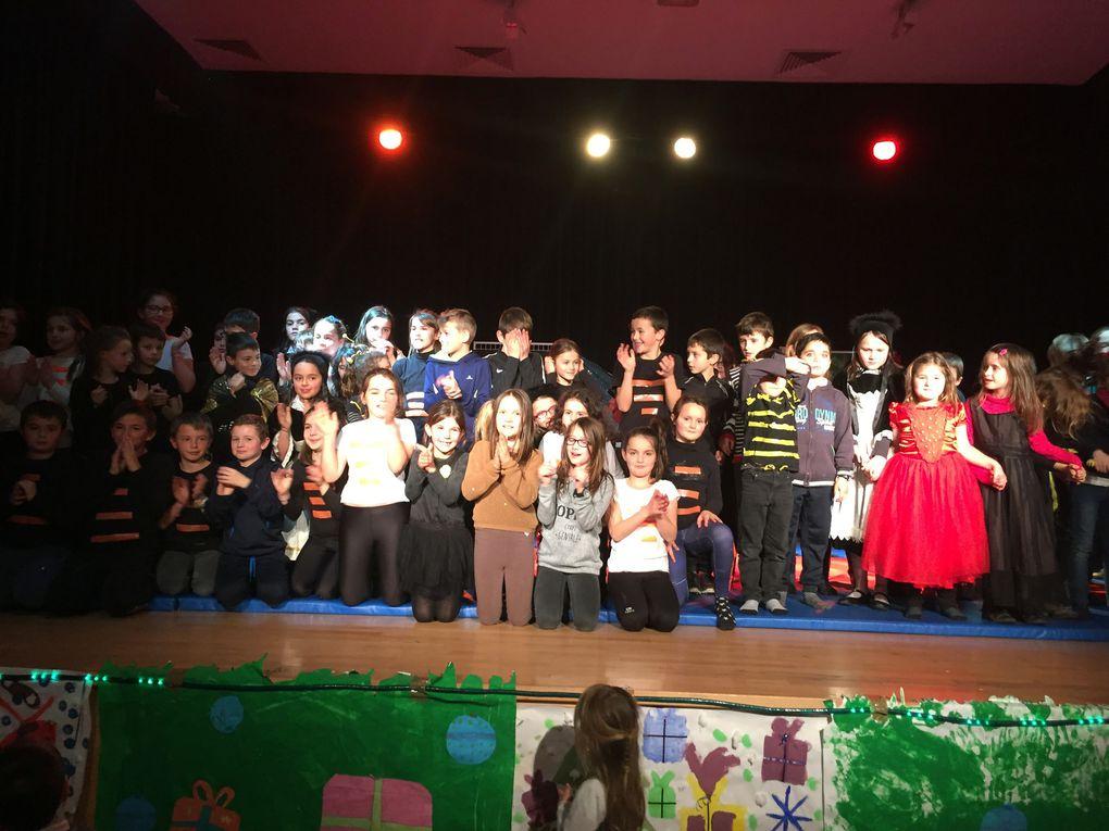 Spectacle de fin d'année des enfants des Tap à Irvillac..