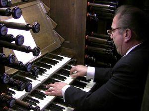 pierre pincemaille, un musicien et organiste français très brillant titulaire des grandes orgues de la cathédrale saint-denis